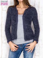 Granatowy sweter long hair zapinany na haftkę
