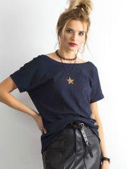 Granatowy t-shirt z dekoltem na plecach