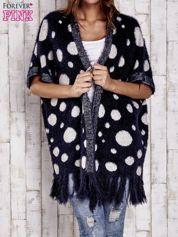 Granatowy włochaty sweter w grochy