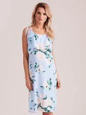 Jasnoniebieska kwiatowa sukienka z falbaną
