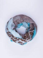 Jasnoniebieski szal w orientalny wzór i panterkę