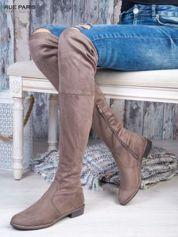Kawowe zamszowe kozaki za kolana wiązane na sznurek nad kolanem