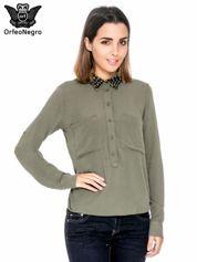 Khaki koszula z haftem etno na ramionach i kieszonką