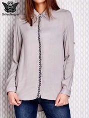 Koszula z ozdobnym haftem i dłuższym tyłem szara
