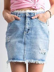 Niebieska denimowa spódnica z koronką