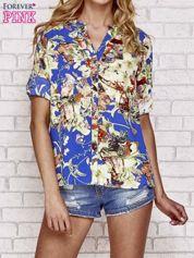 Niebieska koszula z nadrukiem kwiatowym