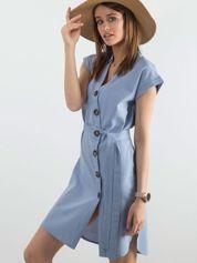 Niebieska sukienka z asymetrycznym zapięciem