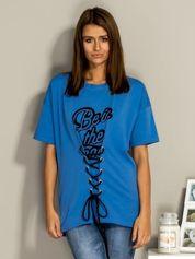 Niebieski t-shirt ze sznurowaniem
