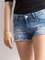 Niebieskie szorty jeansowe z perłami