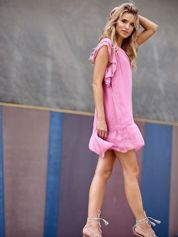 SCANDEZZA Różowa sukienka w groszki z falbaną