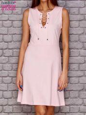 Sukienka lace up jasnoróżowa