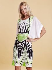 Sukienka z symetrycznym nadrukiem zielona