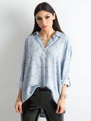 Szaro-niebieska koszulowa bluzka z nadrukiem