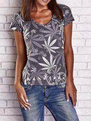 Szary t-shirt z nadrukiem liści weed ganja