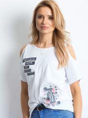 T-shirt biały cold arms z naszywkami