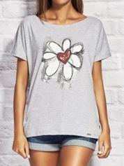T-shirt damski z rysunkowym kwiatem szary