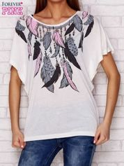 T-shirt oversize z nadrukiem piór i koronką ecru