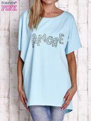 Turkusowy t-shirt z biżuteryjnym napisem AMORE
