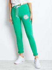Zielone damskie spodnie dresowe z troczkami