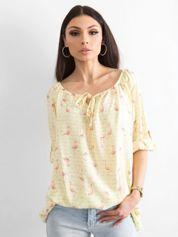 Żółta bluzka z nadrukiem flamingów i podwijanymi rękawami