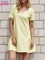 Butik Żółta sukienka dresowa z falbanami z boku