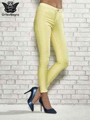 Żółte spodnie rurki skinny