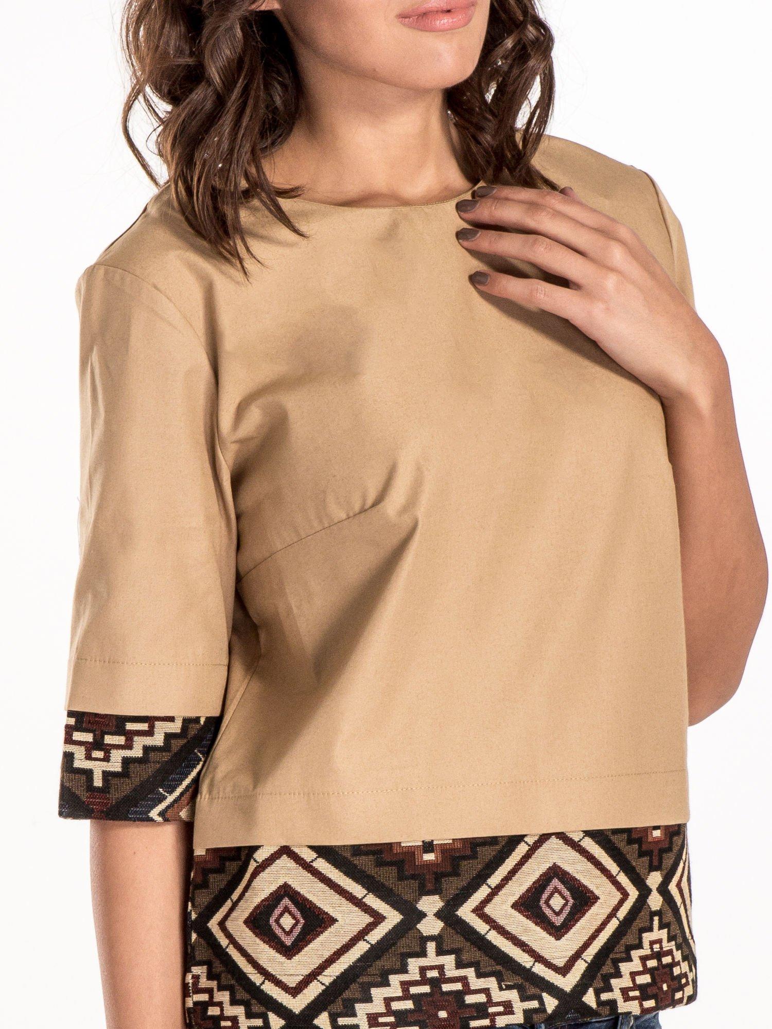 Beżowa bluzka z motywem azteckim                                  zdj.                                  4