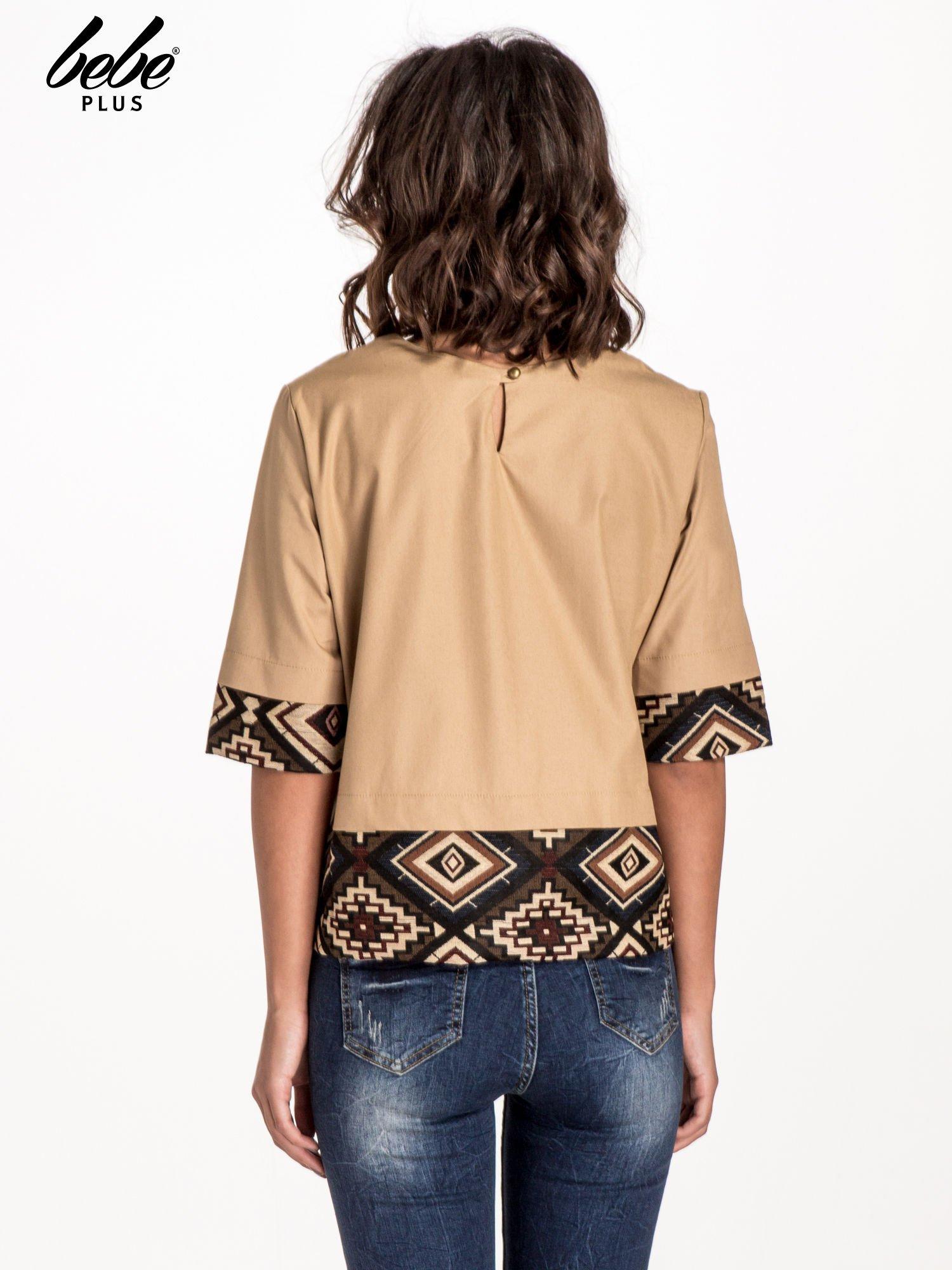 Beżowa bluzka z motywem azteckim                                  zdj.                                  3