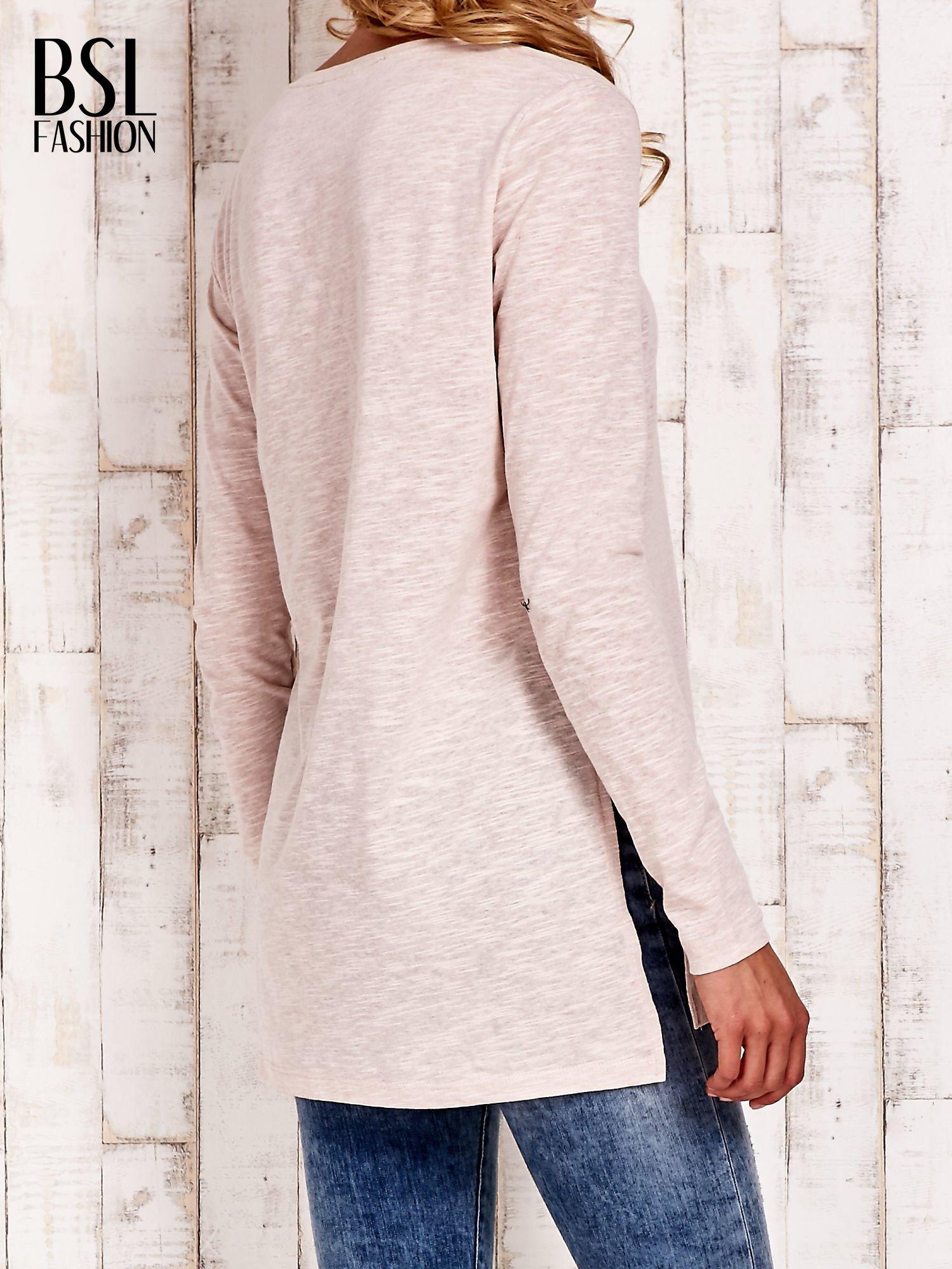 Beżowa bluzka z rozporkami z boku                                  zdj.                                  4