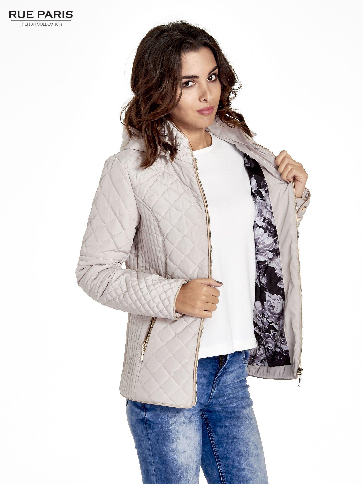 Beżowa pikowana kurtka z kapturem w stylu husky                                  zdj.                                  4