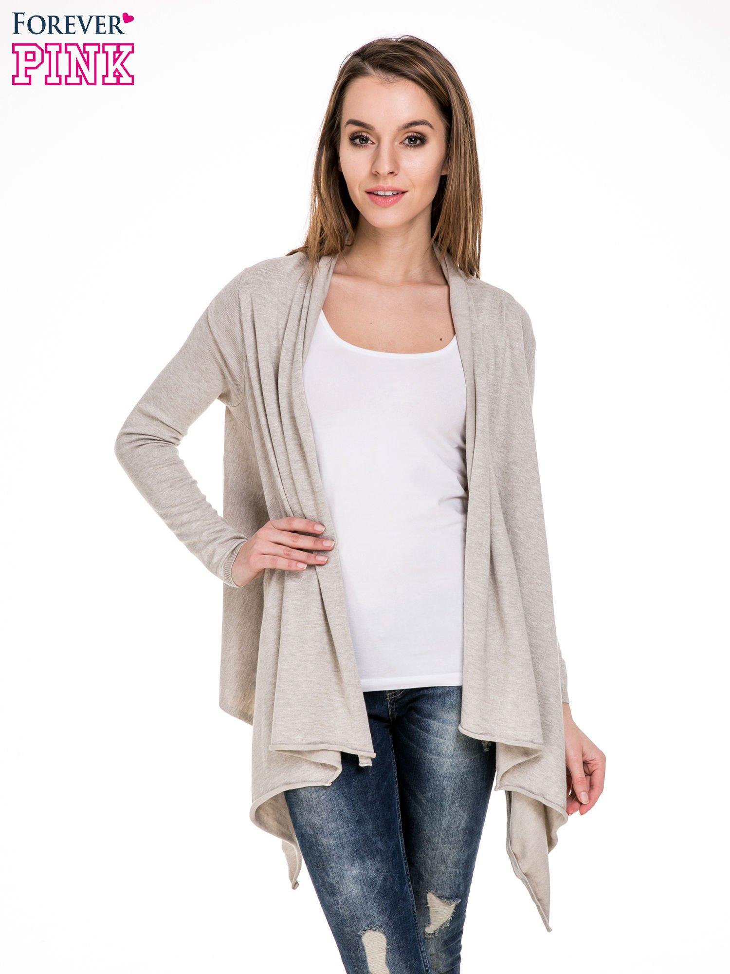 Beżowy sweter narzutka z kaskadowymi bokami                                  zdj.                                  1