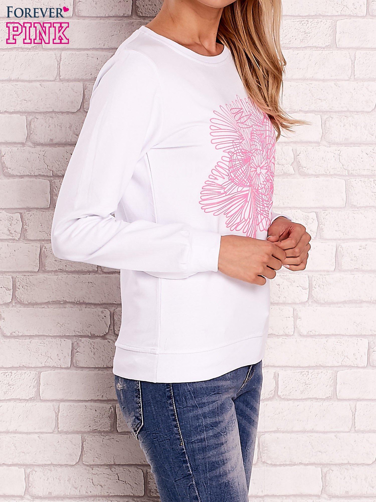 Biała bluza z kolorowym nadrukiem                                  zdj.                                  3