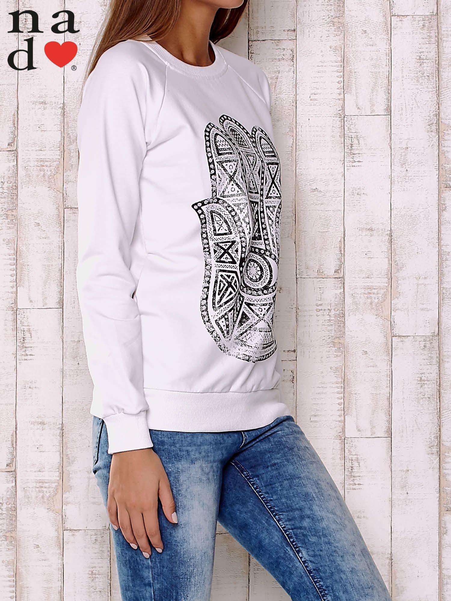 Biała bluza z motywem dłoni                                  zdj.                                  4