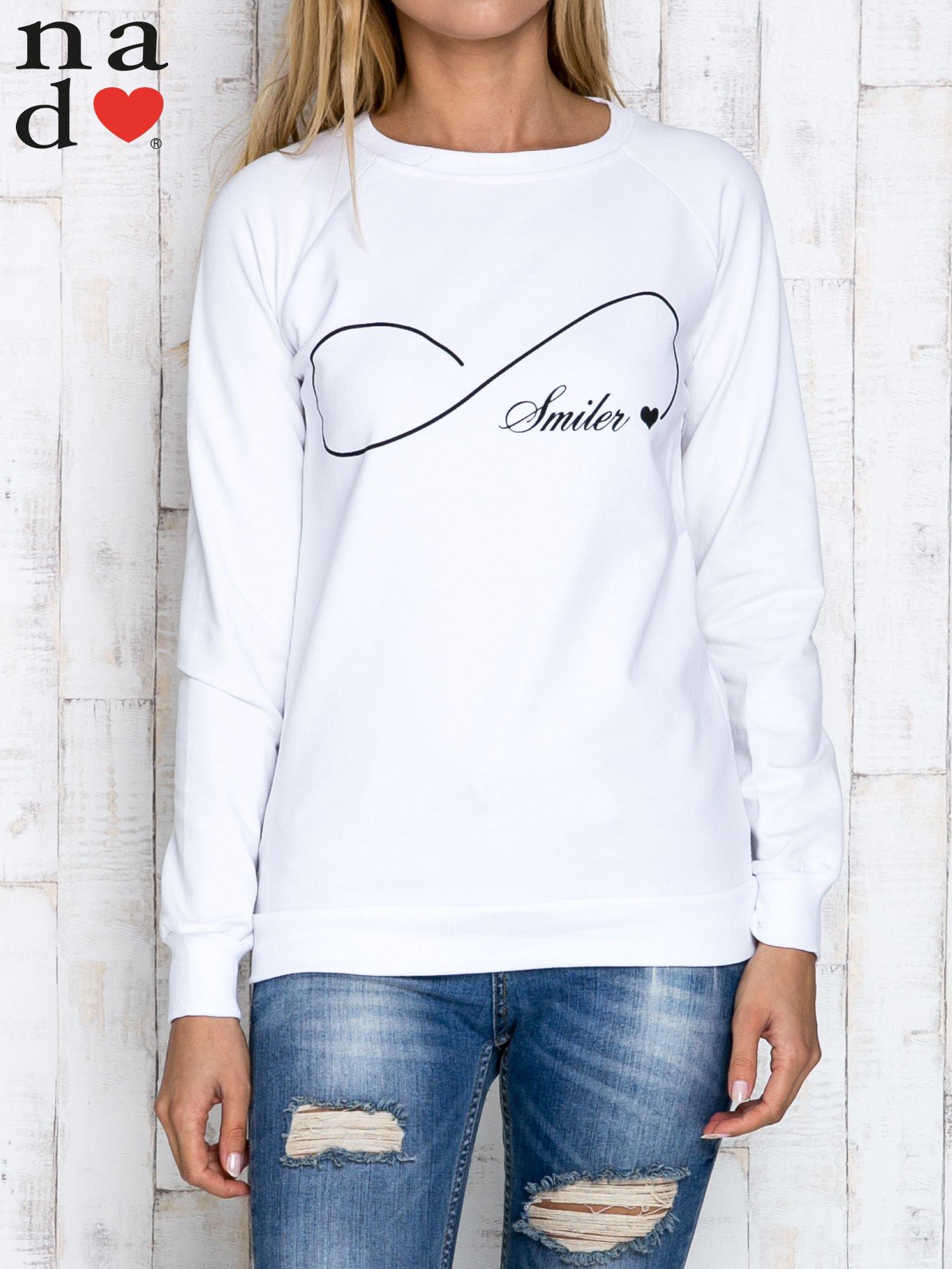 Biała bluza z napisem SMILER                                  zdj.                                  1