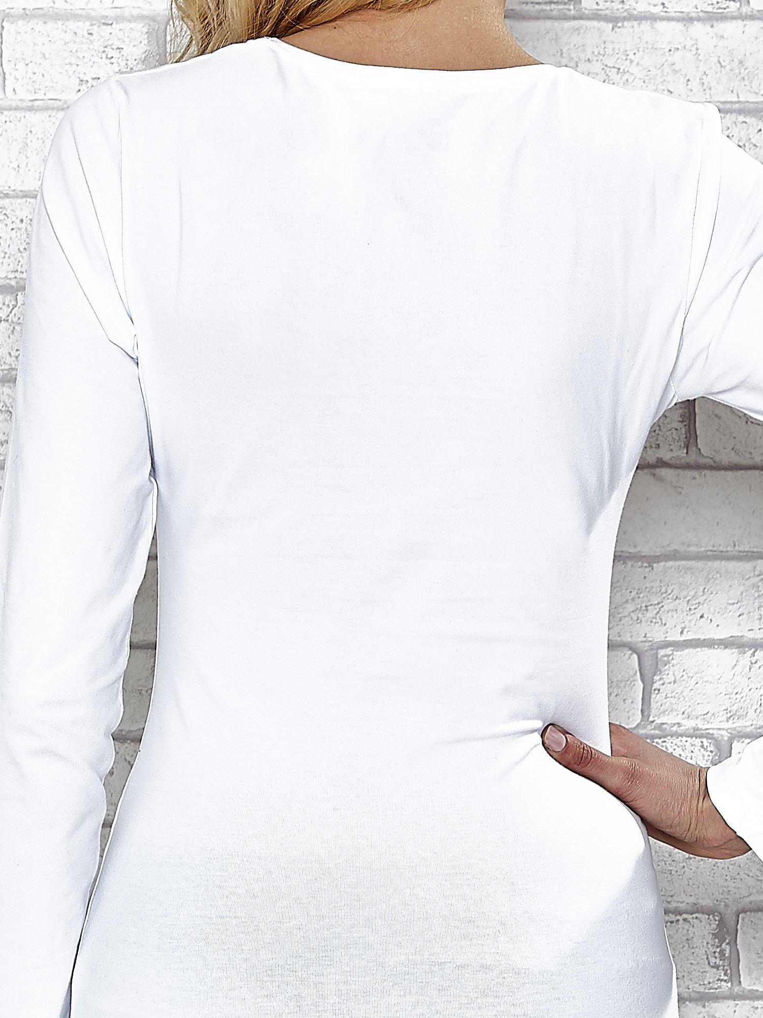 Biała bluzka sportowa z dekoltem V                                  zdj.                                  7
