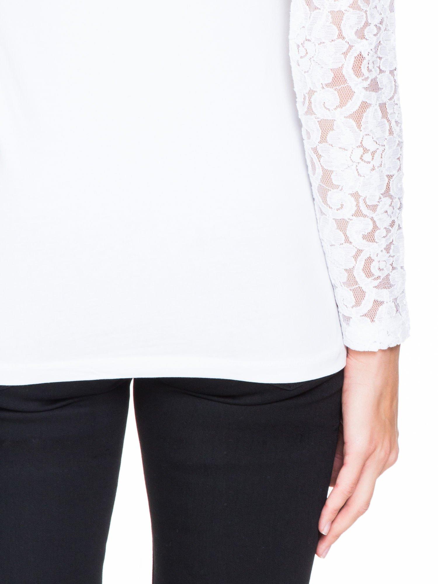 Biała bluzka z koronkowymi rękawami                                  zdj.                                  8