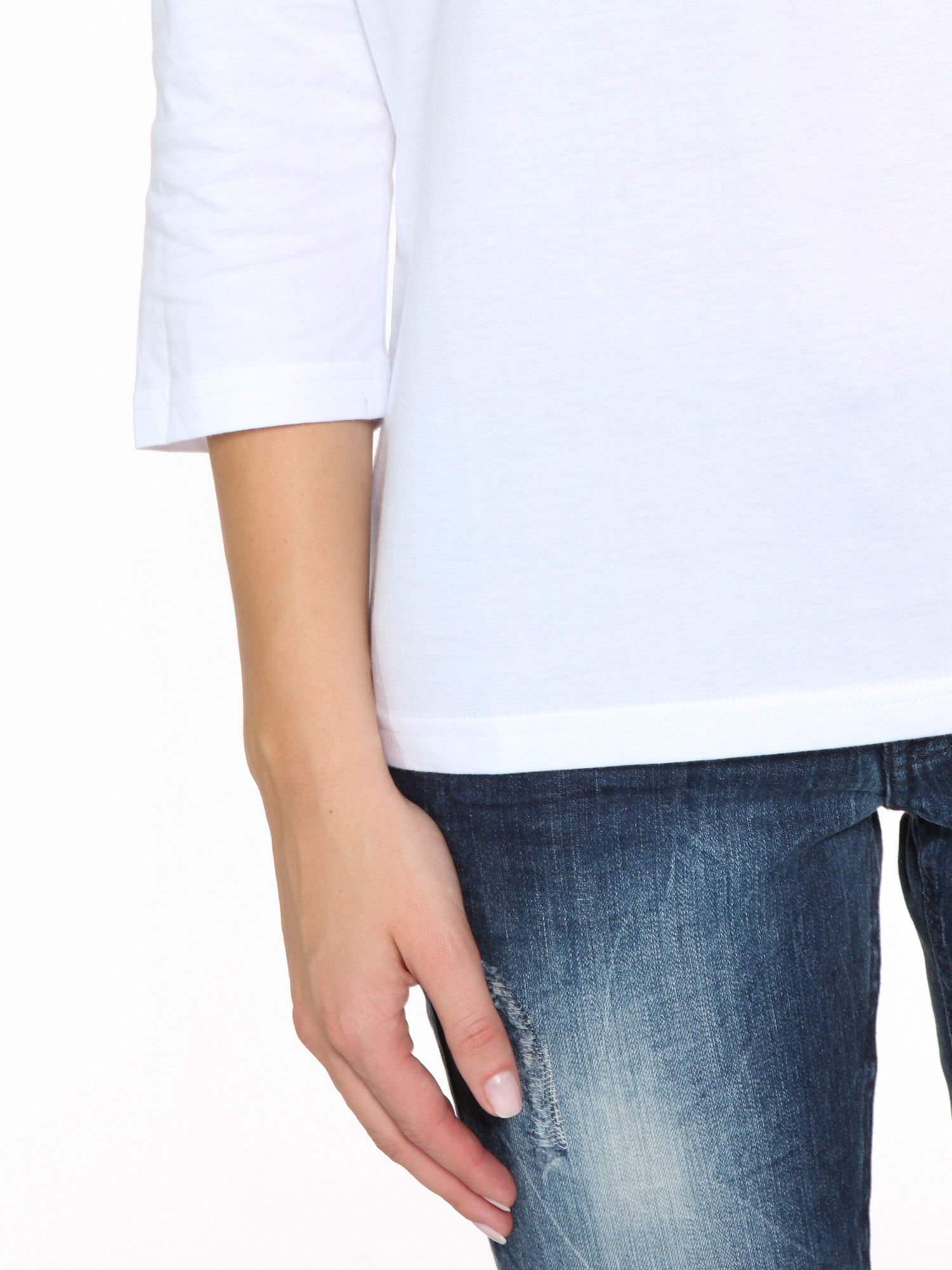 Biała bluzka z marszczonym dekoltem i rękawkami 3/4                                  zdj.                                  7