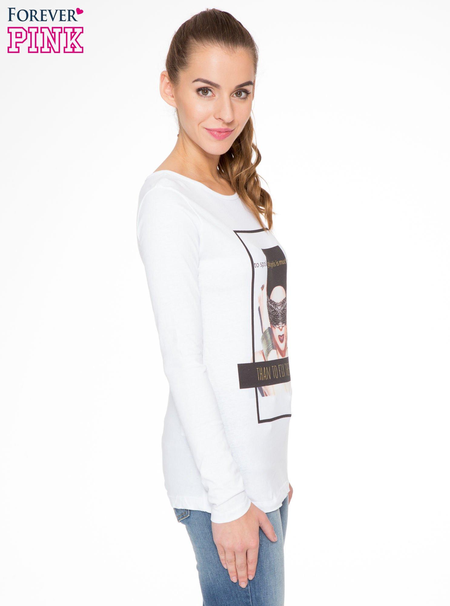 Biała bluzka z portretem kobiety i napisem GOOD GIRLS...                                  zdj.                                  3