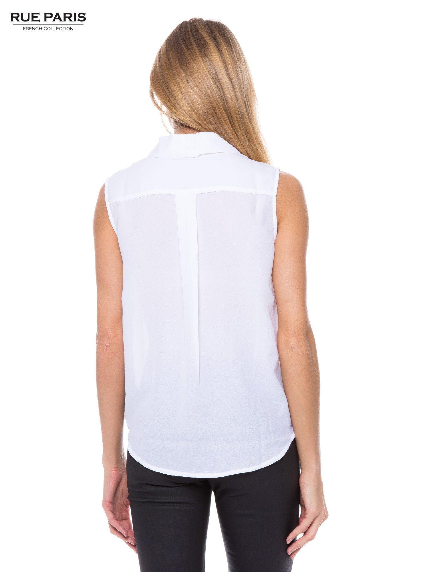 Biała elegancka koszula z kopertowym dekoltem                                  zdj.                                  3