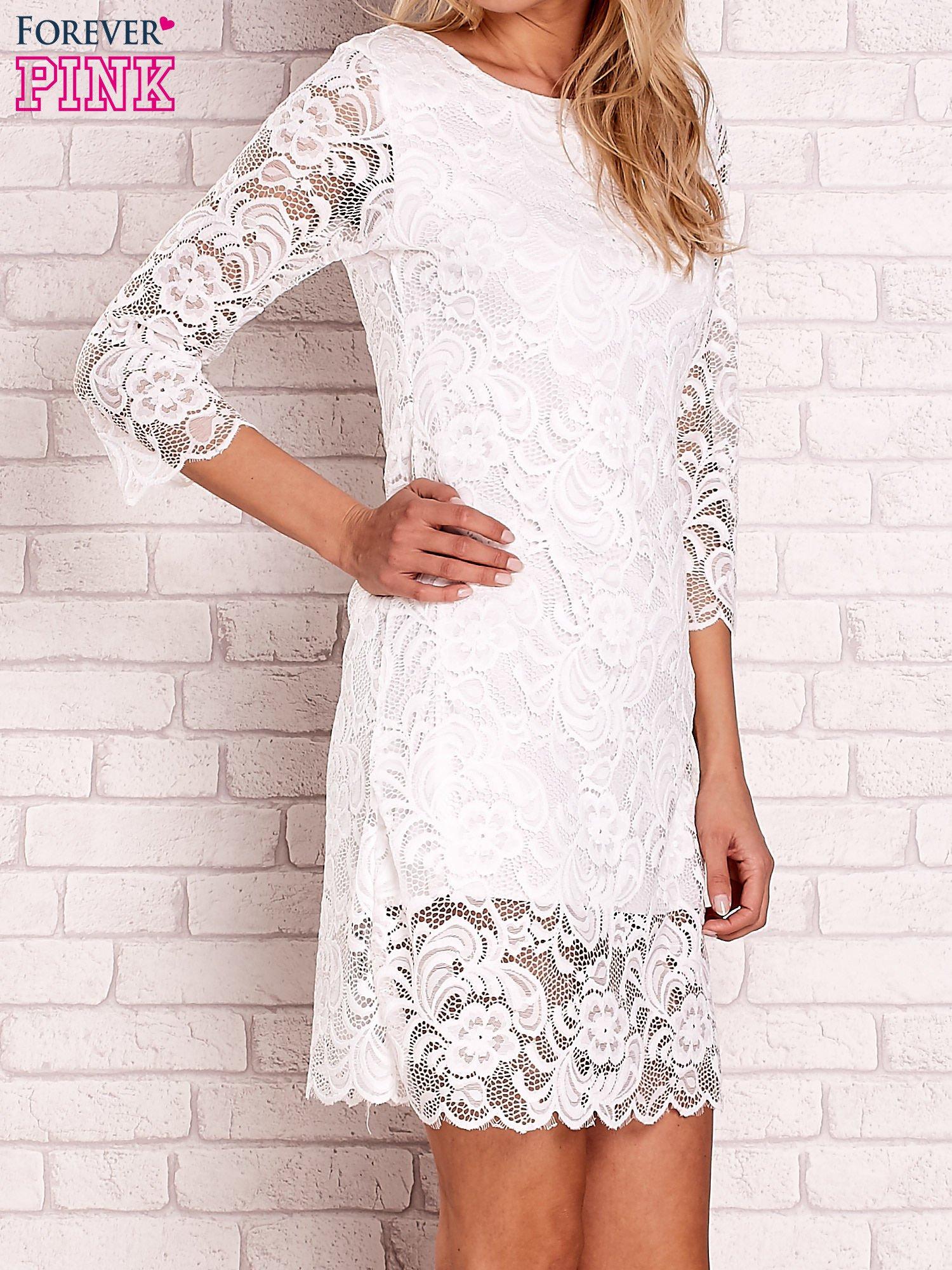 Biała koronkowa sukienka z wiązaniem na plecach                                  zdj.                                  3