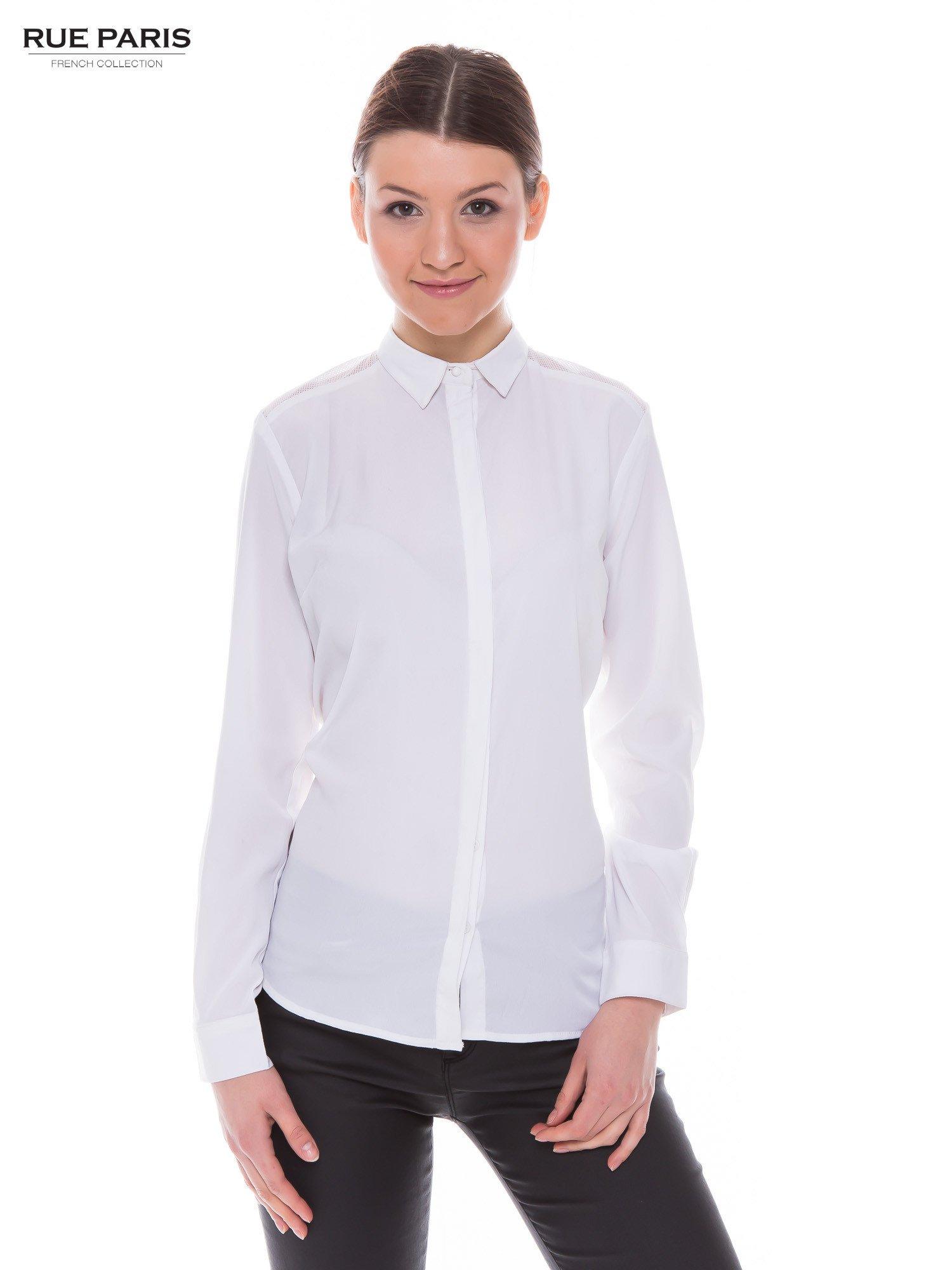 Biała koszula z siateczkowym tyłem                                  zdj.                                  1