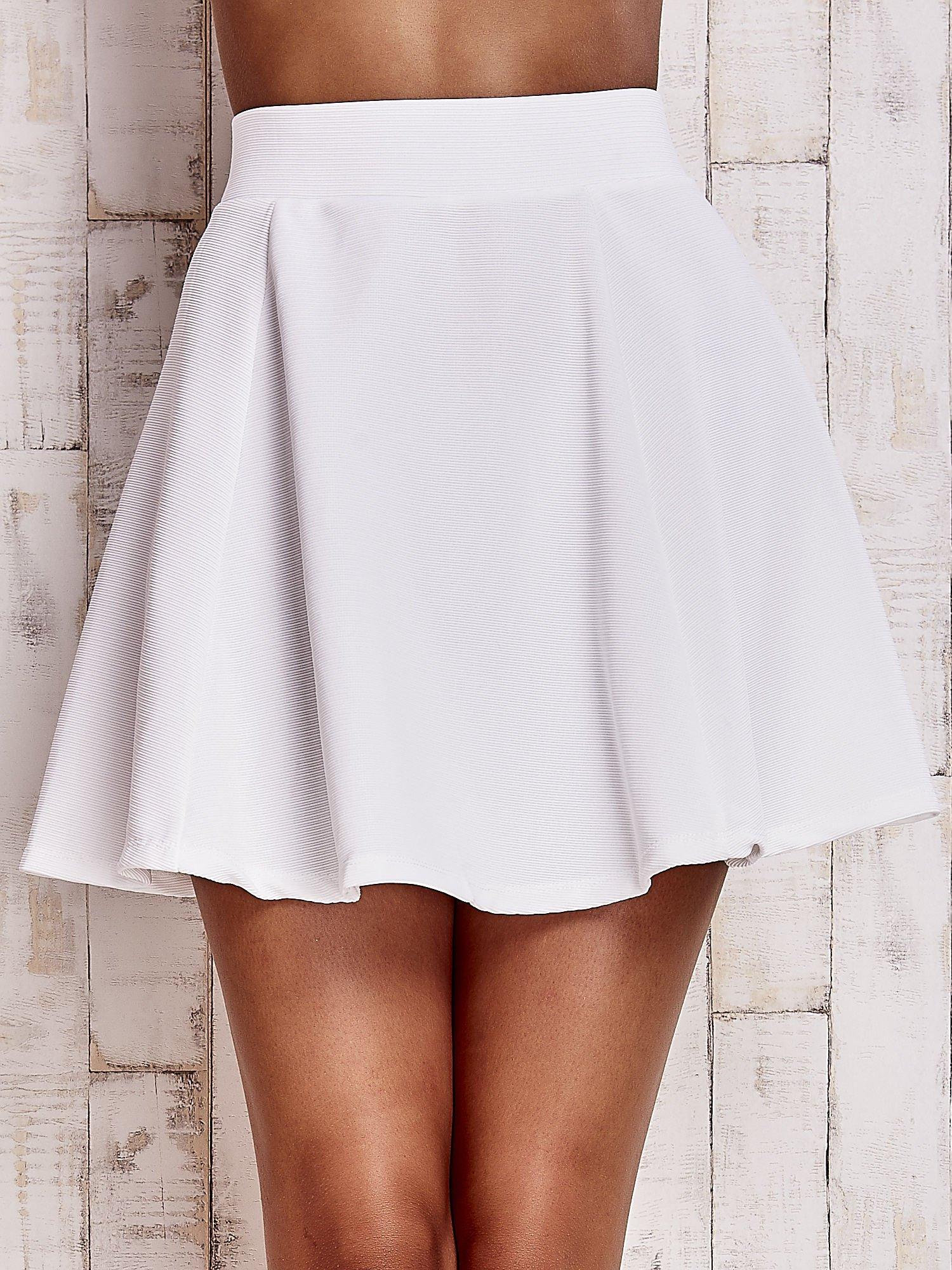 Biała rozkloszowana spódnica                                  zdj.                                  5