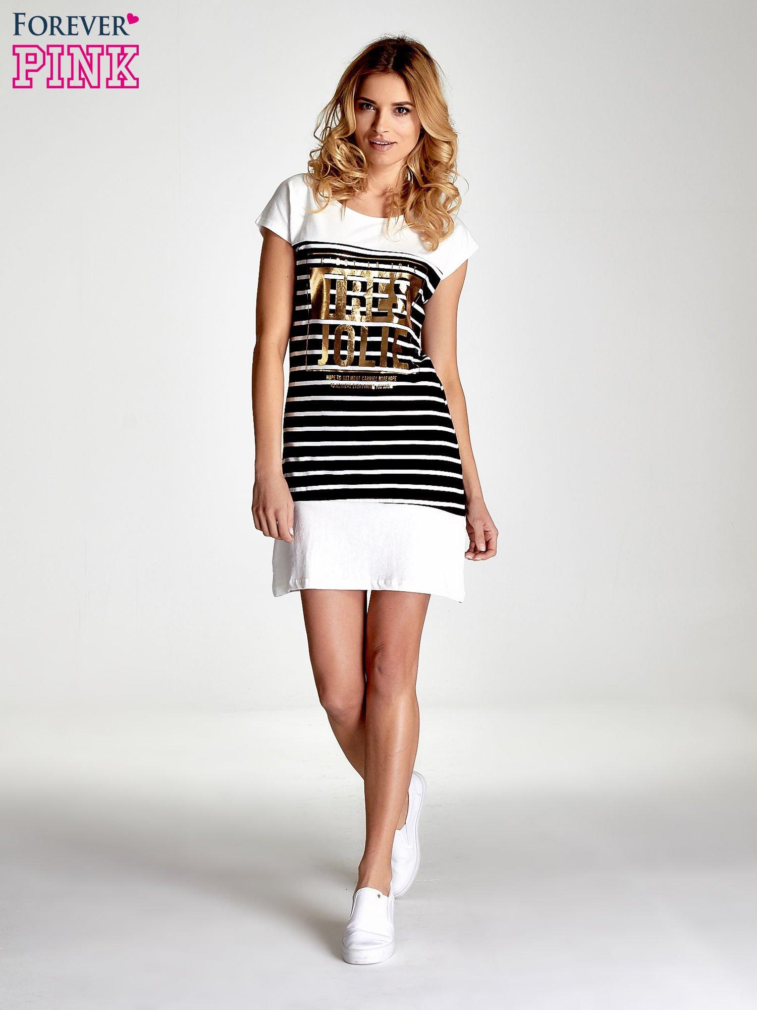 Biała sukienka w paski ze złotym napisem TRES JOLIE                                  zdj.                                  7