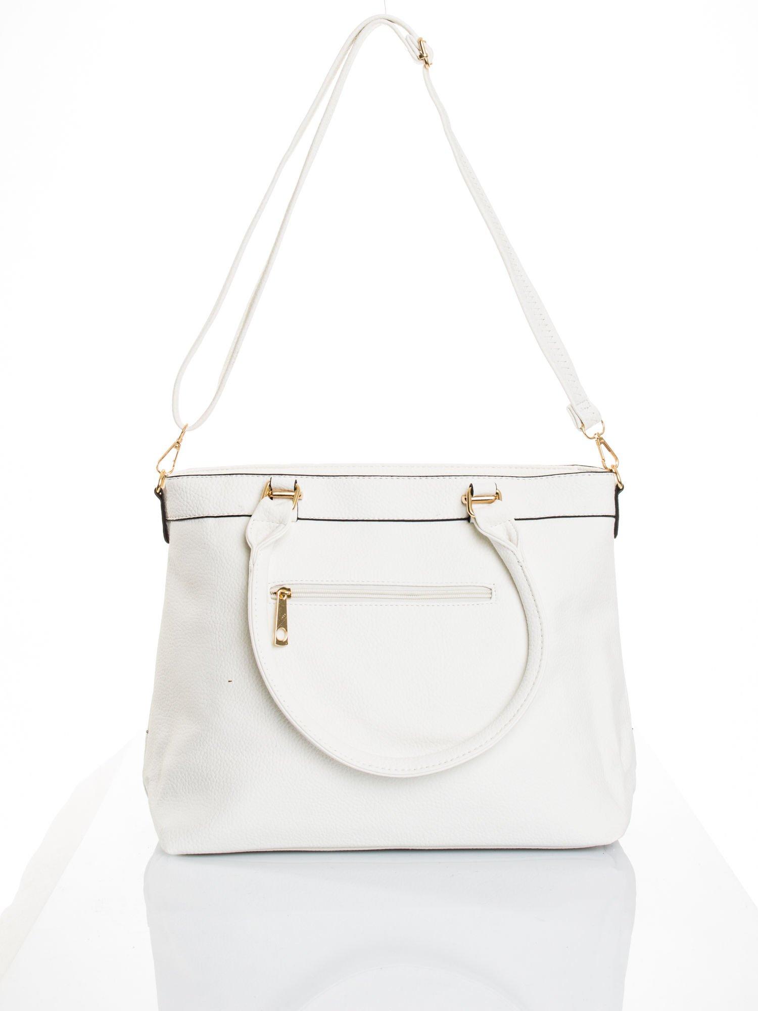 Biała torba na ramię ze złotymi okuciami                                  zdj.                                  6