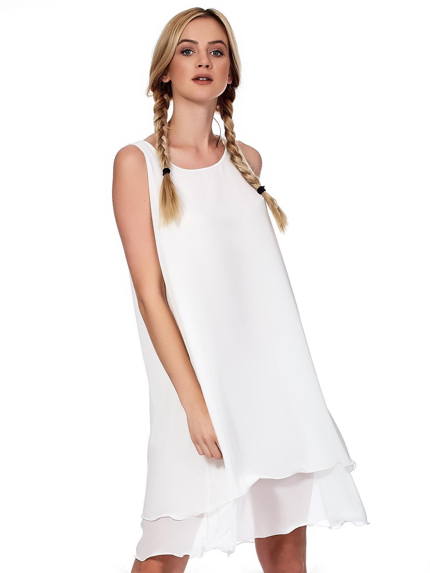 2b850554af Biała zwiewna sukienka o luźnym kroju - Sukienka koktajlowa - sklep ...