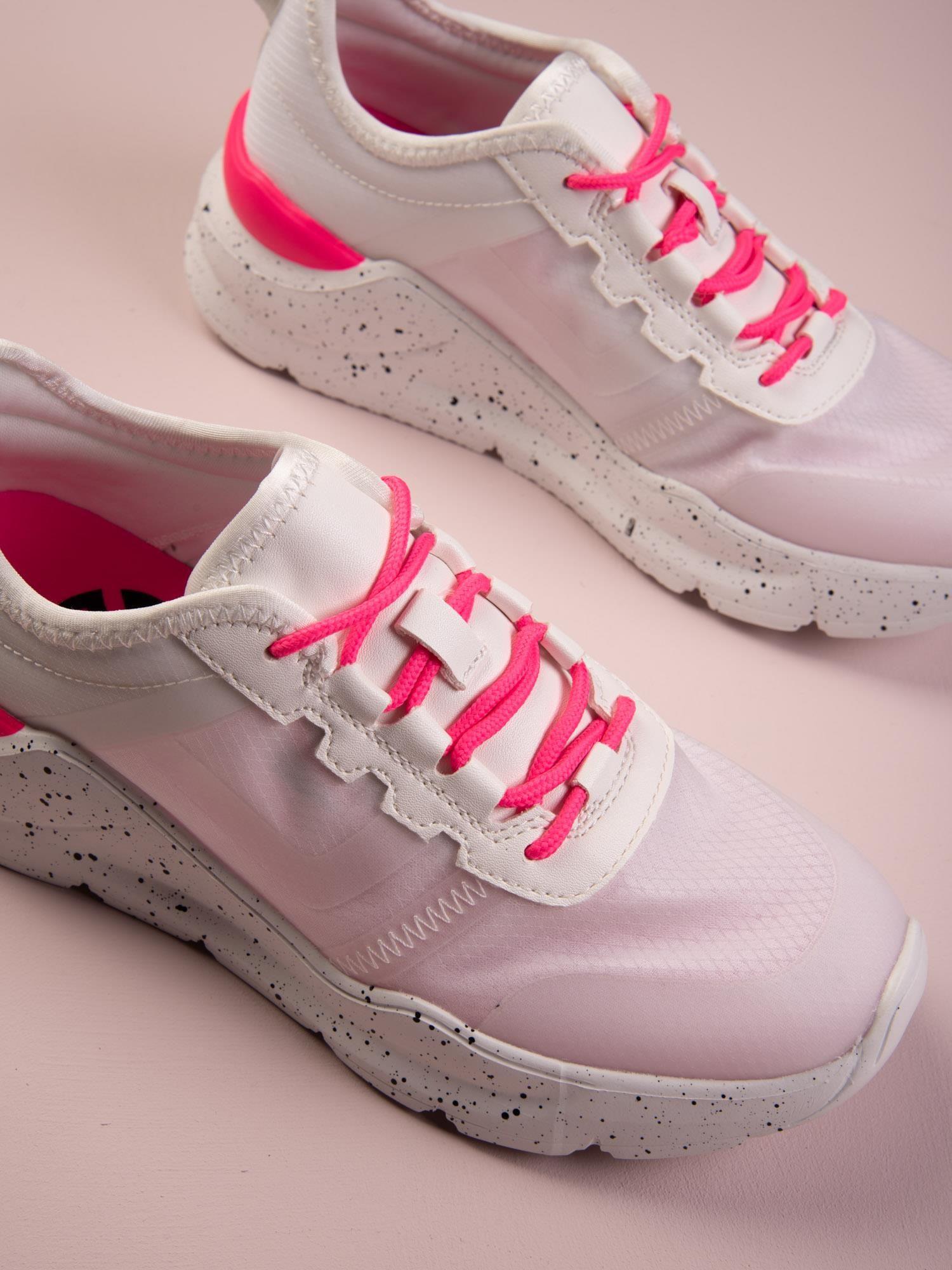 Białe buty sportowe Kylie z różowymi wstawkami na platformie