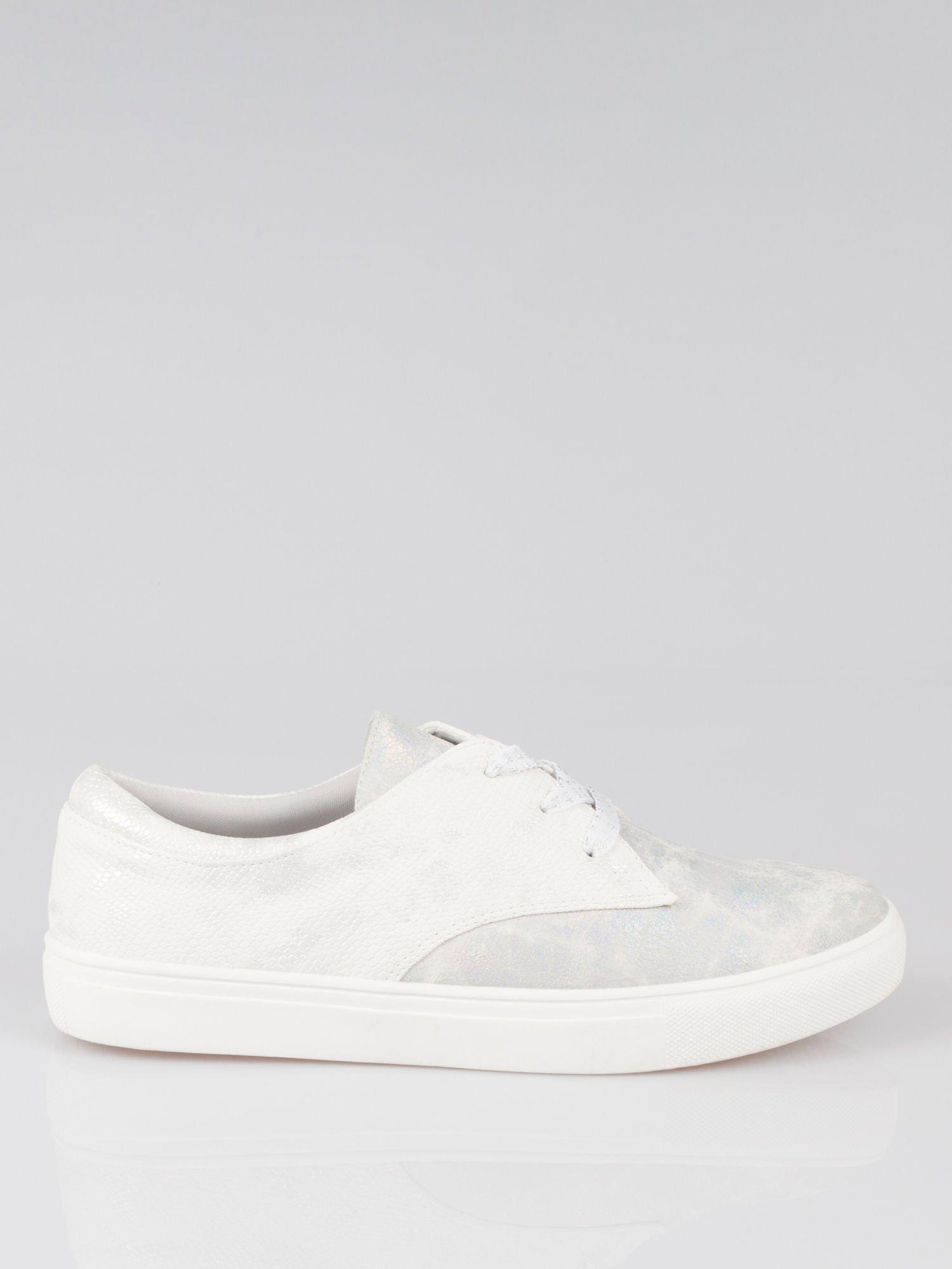 Białe buty sportowe z szarym wykończeniem Millie                                  zdj.                                  1