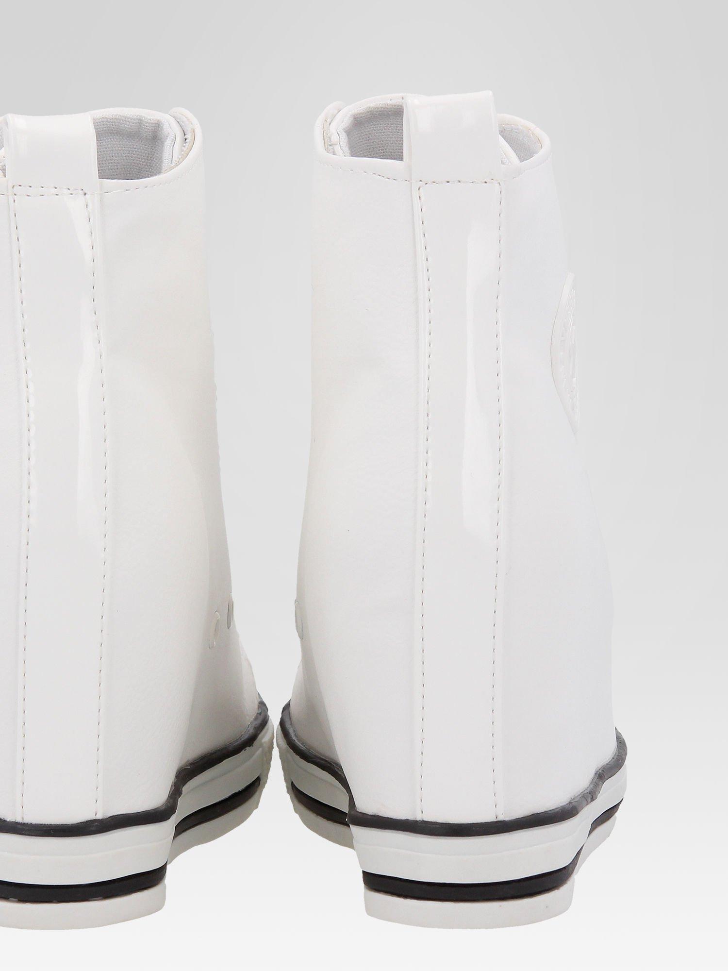 Białe klasyczne sneakersy damskie                                  zdj.                                  8