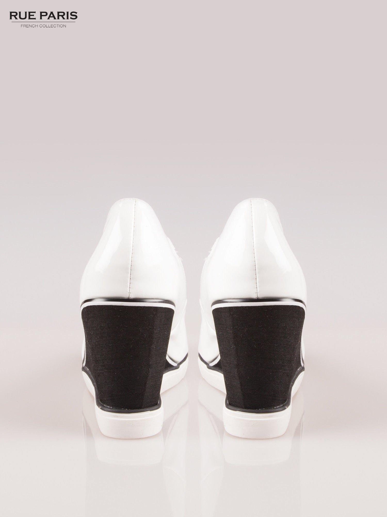 Białe lakierowane koturny peep toe                                  zdj.                                  3
