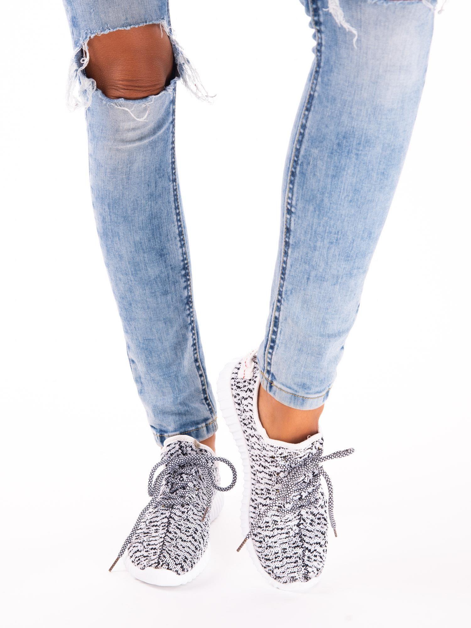 d2a7e2cc Białe marmurkowe buty sportowe pattern z tkaniny z uchwytem z tyłu - Buty  Buty sportowe - sklep eButik.pl